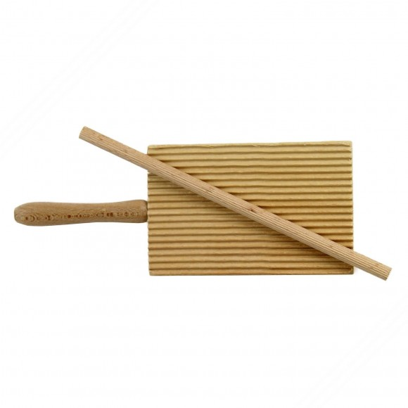 Wooden cutting board for garganelli and gnocchi complete with a box