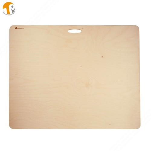 Tagliere per pasta in legno di betulla multistrato. Dotato di maniglia. Dimensioni: 75x59 cm