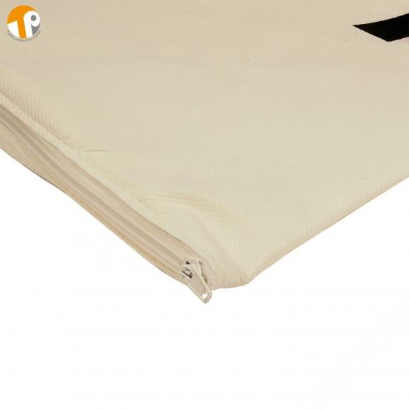 Dustproof case in non-woven fabric