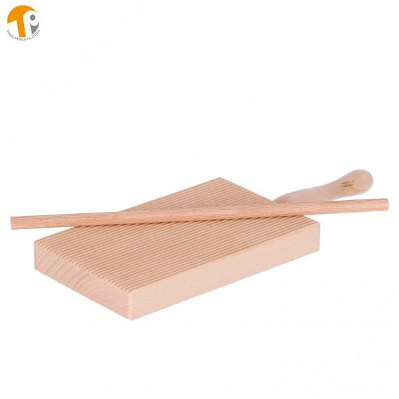 Tagliere in legno riga garganelli e gnocchi