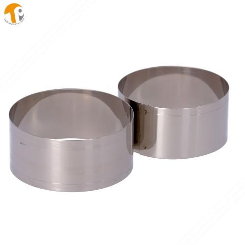 2 coppapasta circolari in acciaio INOX. Diametri 80 e 90 mm. Altezza 40 mm.