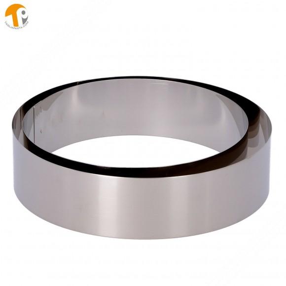 2 coppapasta circolari in acciaio INOX. Diametri 175 e 200 mm. Altezza 50 mm.