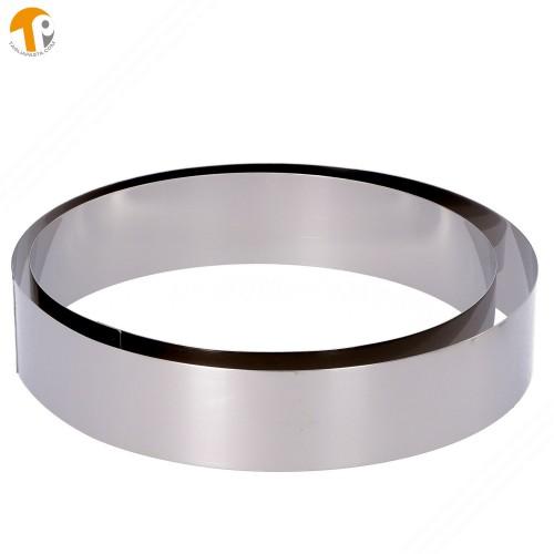 2 coppapasta circolari in acciaio INOX. Diametri 220 e 250 mm. Altezza 50 mm.
